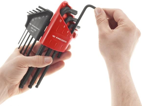 Facile de sortir une clé de l'étui Easy Lock System sans déranger les autres