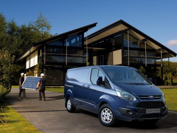 Ford Transit Custom: Des technologies d'aide à la conduite pour moins de stress sur chantier!