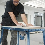 La nouvelle défonceuse GMF 1600 installée sur une table de travail