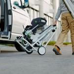 La scie à onglet radiale KAPEX et son châssis conçu spécialement pour une utilisation mobile