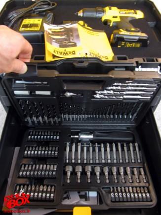 La T-Boxx N° 2 de DeWALT avec sa malette complète d'embout de vissage