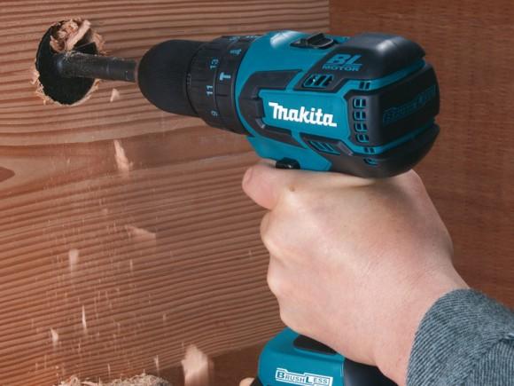 Jusqu'à 38 mm dans le bois avec la visseuse BHP459RFE